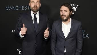 Regisseur Ben Affleck (links) umgibt sich am liebsten mit Arbeitskollegen, die auch Freunde sind - oder Familienmitglieder, wie sein Bruder Casey Affleck. (Archivbild)