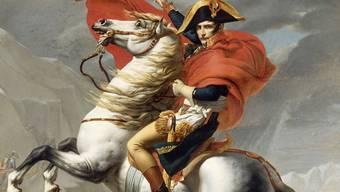 So lieben ihn die Franzosen: Napoleon hoch zu Ross und mit sicherer Hand den Weg weisend (Gemälde «Bonaparte beim Überschreiten der Alpen am Grossen Sankt Bernhard» von Jacques-Louis David, 1800)aig
