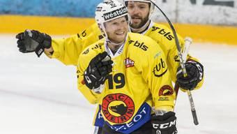 Ryan Lasch (vorne) sorgte in der Saison 2016/17 im SCB-Dress für Spektakel auf Schweizer Eis