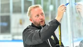 Der neue Olten-Trainer Fredrik Söderström sah gegen Kloten, dass ihm noch viel Arbeit bevorsteht.