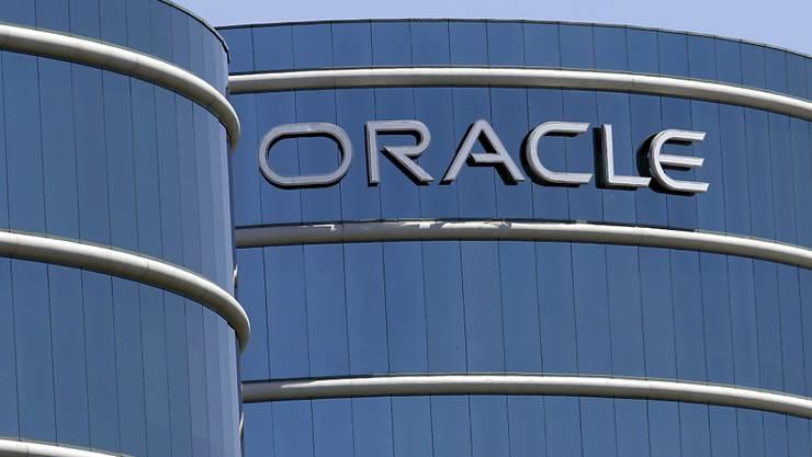 Der US-Softwarekonzern Oracle soll unter anderem weisse Angestellte besser entlöhnen als nicht-weisse in gleichen Stellen: Das wirft das US-Justizministerium dem Unternehmen vor.