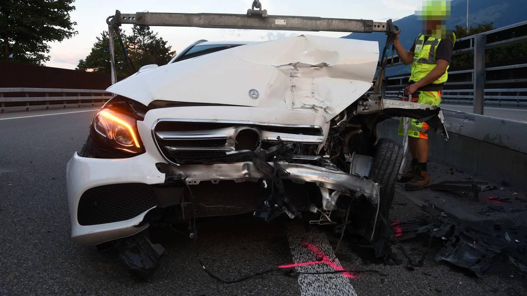 Drei Crashs mit sechs Autos auf A3 – Frau verletzt