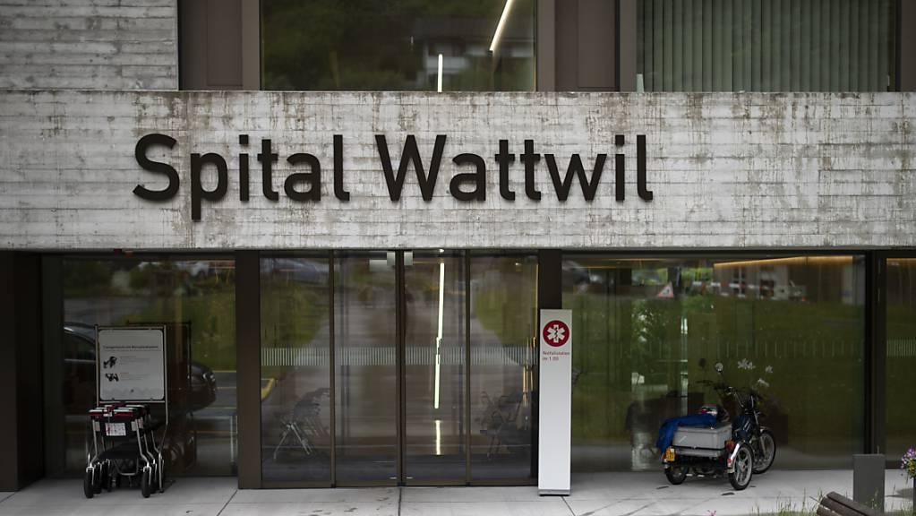 Das Spital Wattwil gehört zur Spitalregion Fürstenland Toggenburg. Bis 2020 ist der Betrieb dank eines Notdarlehens des Kantons gesichert.