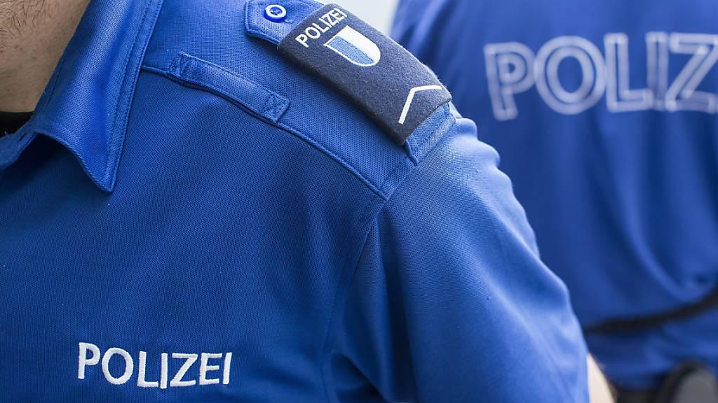 Nach Unfall weitergefahren: Polizei sucht Zeugen