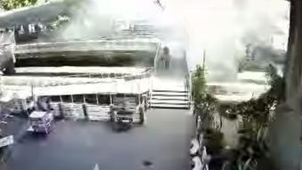 Terror in Bangkok: Nach dem Bombenattentat in Bangkok vom Montag, das 20 Menschen tötete und 125 verletzte, kam es einen Tag später erneut zu einem Anschlag – mit einer Granate.