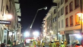Ausgebrochen ist das Feuer in einer Liegenschaft an der Hauptstrasse.
