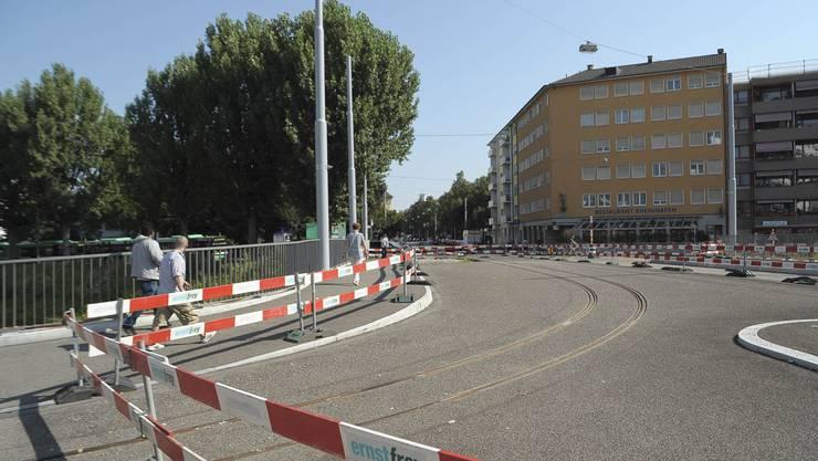 Neue Geleise und Bauarbeiten am Wiesendamm.