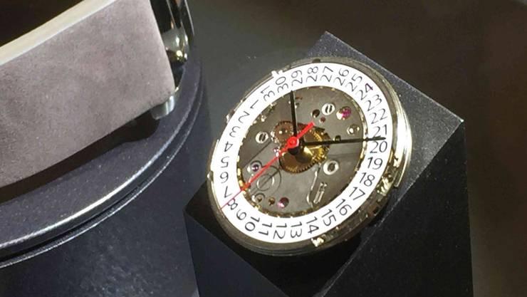 So sieht das mechanische Uhrwerk der Firma mit Sitz in Lausen aus.
