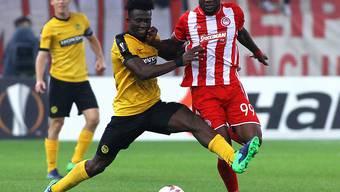 Trotz grossem Kampf (im Bild Sekou Sanogo, links) beim 1:1 in Olympiakos Piräus ohne Chance auf ein Weiterkommen: die Young Boys