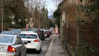 An den Lichtsignalanlagen in Laufenburg stauen sich die Fahrzeuge teilweise bis zu 25 Minuten. Archiv/dka