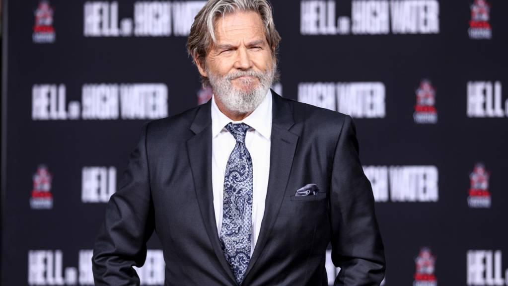 Jeff Bridges, US-amerikanischer Schauspieler, wird am TCL Chinese Theatre IMAX mit einer Zeremonie geehrt. Bridges hat Lymphdrüsenkrebs.