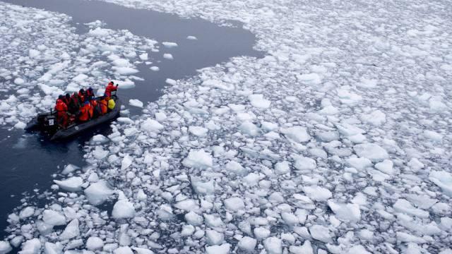 Besorgt über Eisschmelze: Wissenschaftler in der Antarktis (Archiv)