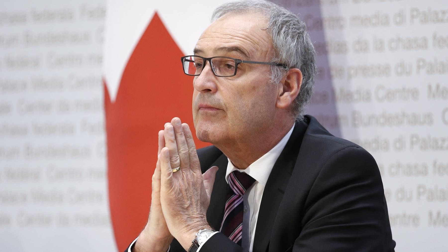 Bundesrat Guy Parmelin spricht an einer Medienkonferenz über die Massnahmen wegen dem Corona-Virus.