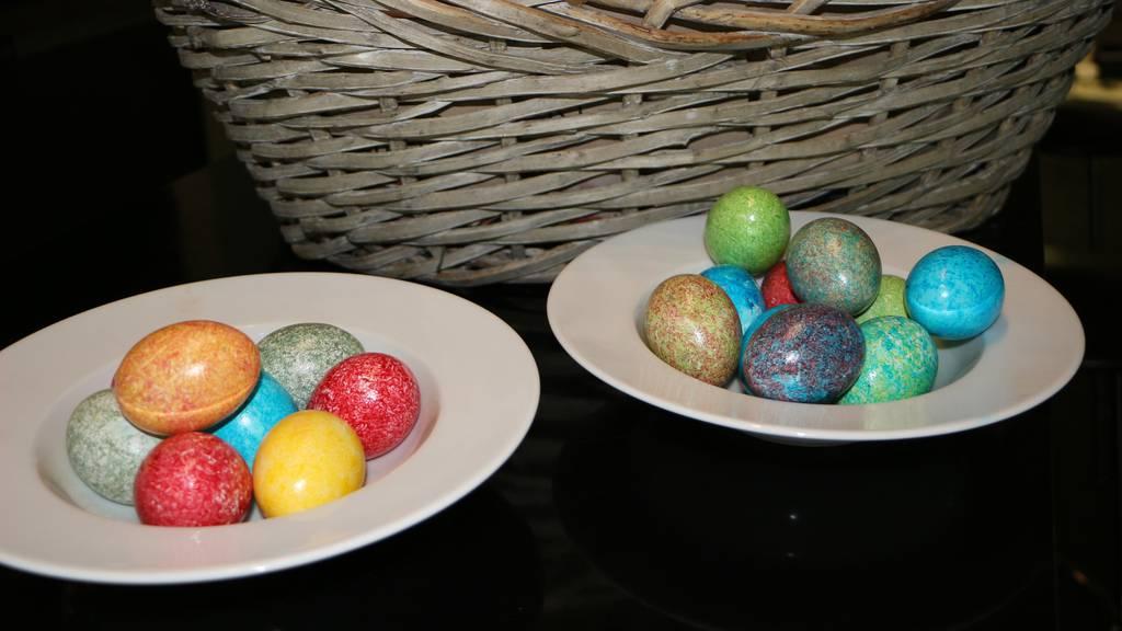 Eier schnell und einfach färben
