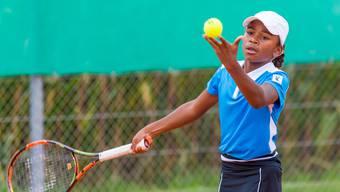 Chelsea Fontenel beim Tennisspielen