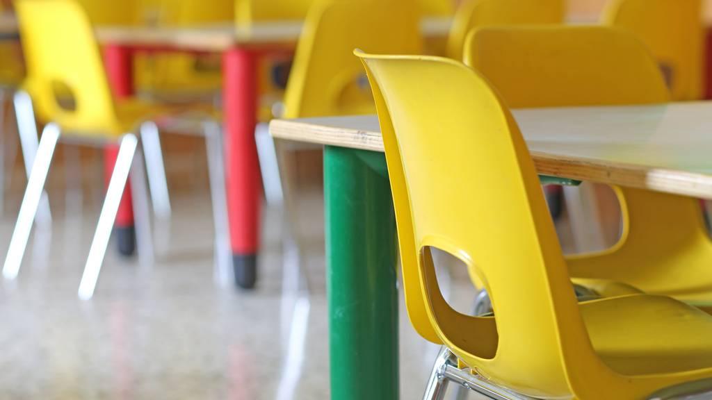 In Berneck bleiben die Stühle im Schülerhort vorerst leer. (Symbolbild)