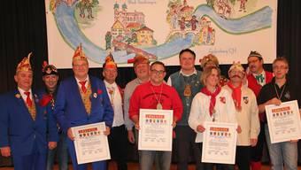 Die Zunftmeister gratulierten den vier Zunftmitgliedern, denen der Hochrhein-Orden verliehen wurde.Kanele