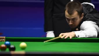 Der Fricktaler Alexander Ursenbacher hat als erster Schweizer den Einzug ins Hauptfeld der Snooker-WM geschafft.