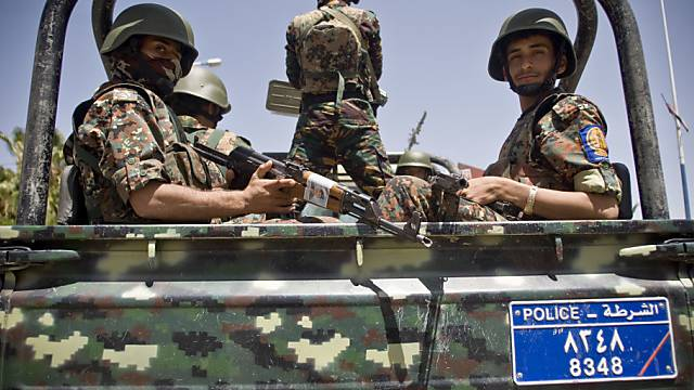 Es wird wieder geschossen: Huthi-Kämpfer in Sanaa (Archiv)