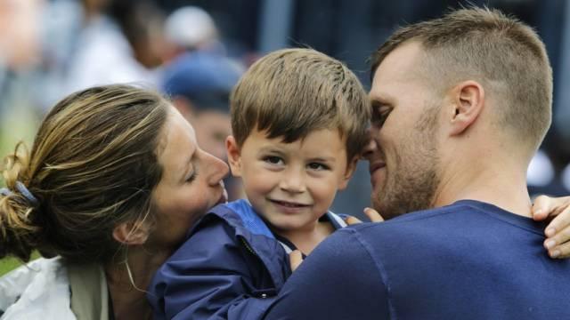 Viel Liebe: Bündchen und Brady mit Sohn Benjamin (Archiv)