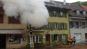 Wohnungsbrand im Oberdorfer Dorfkern erfordert Grosseinsatz