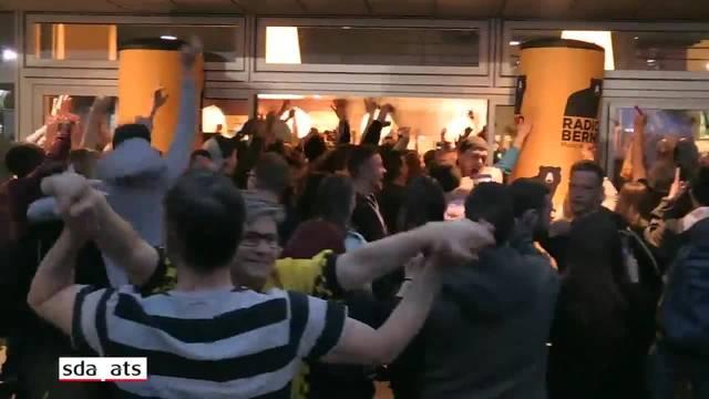Young Boys: Fans feiern vor dem Stadion den Meistertitel