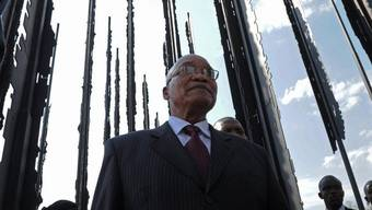 Der südafrikanische Staatschef Jacob Zuma beim Mandela-Denkmal in der Nähe der Stadt Howick