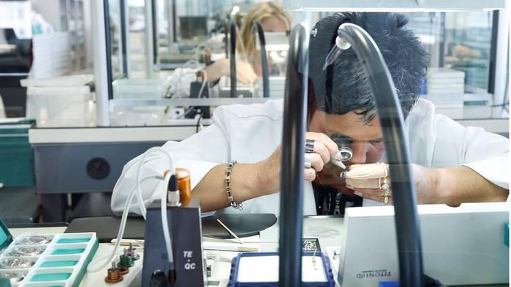 Die Ausfuhren im Bereich «Präzisionsinstrumente, Uhren und Bijouterie» stiegen im dritten Quartal 2014 um 1,8 Prozent an. Symbolbild