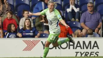 Wolfsburgs Lara Dickenmann jubelt über ihren Treffer bei Chelsea