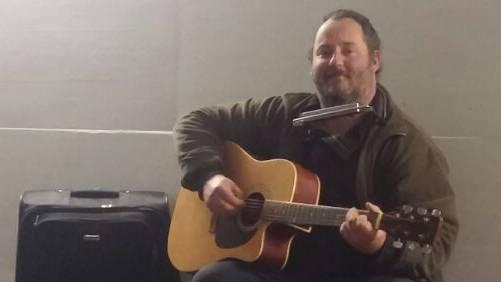 Robert Partel sass am Montagabend noch in Aarau und sang ein letztes Mal, bevor er zu seiner Familie nach Karlsbad reiste.