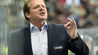 Biel-Trainer Kevin Schläpfer dirigiert sein Team im neuen Stadion