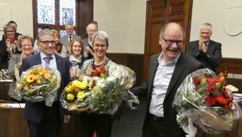 SP-Kantonsrat Urs Huber (rechts) nach der Wahl zum höchsten Solothurner. Neben ihm: Der 1. Vizepräsident Urs Ackermann (CVP, Balsthal) und die 2. Vizepräsidentin Verena Meyer.
