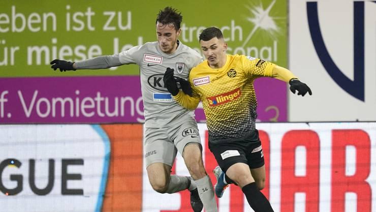 Letzte Saison noch Gegner, nun Konkurrenten in der FCA-Abwehr: Neuzugang Arijan Qollaku (rechts) und Raoul Giger