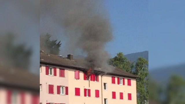 Brand in Mehrfamilienhaus in Bellach