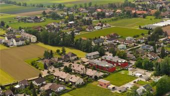 Die Gemeinde Härkingen ist in Bezug auf die Bevölkerung die jüngste Gemeinde im Kanton Solothurn, gefolgt von Boningen und Oensingen.