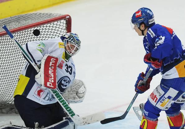 Beim Abschluss gegen Ambris NHL-Leihgabe Cory Schneider.