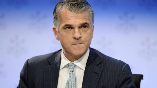 Geht es nach Sergio Ermotti, wird die UBS bis 2015 15 Prozent Rendite auf dem Eigenkapital erwirtschaften. Foto: Walter Bieri - Keystone