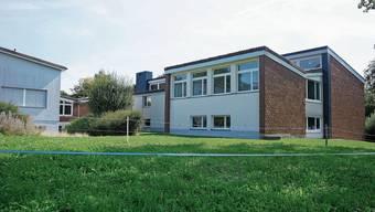 Das Schulhaus in Feldbrunnen wird saniert und erhält zudem einen Anbau.