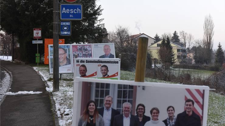 Ob Proporz oder Majorz - wie fast im ganzen Baselbiet tobt auch in Aesch eine Wahlplakatschlacht.