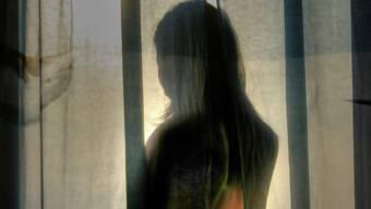 Gewalterfahrungen können sich tief ins Gedächtnis eingraben. Laut Basler Forschenden entscheidet ein Gen über die Anfälligkeit. (Symbolbild)