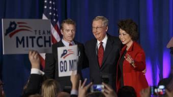 Mitch McConnell, der neue Mehrheitsführer im Senat, feiert den Sieg