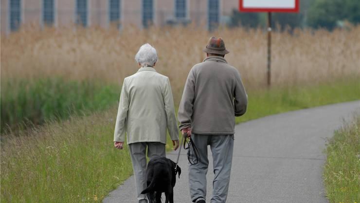 Bei Fragen zum Alter ist Mann und Frau bei der Fachstelle gut aufgehoben. Ob auch noch nach Mai 2013 wird diesen Monat entschieden.