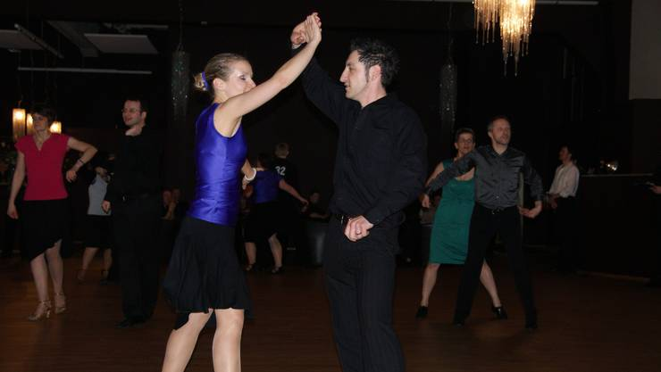 Tanzträume leben: Jede Woche besuchen 260 Paare und über 100 Einzelpersonen 53 Tanzkurse in der TanzFabrik.  (zVg)