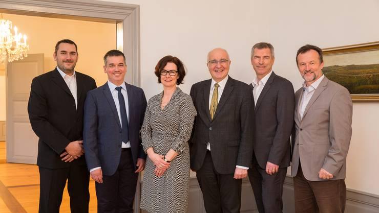 Rolf Walker (ganz rechts) in der Runde des Stadtrats,wie er seit 2018 im Amt ist – von links Patrick Güntert, Oliver Brun, Elvria Mrose (Frau Vizeammann), Reinhard Scherrer (Gemeindeammann), Kuno Schumacher.