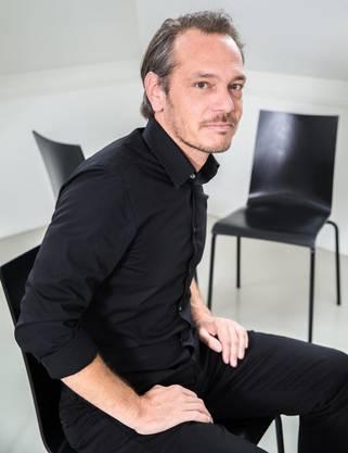 Stefan Naef ist Chief Consulting Officer von Jung von Matt/Limmat. Er hat an der Universität Zürich BWL studiert und war Dozent an der Bergs School in Stockholm und der Miami Ad School in Hamburg.