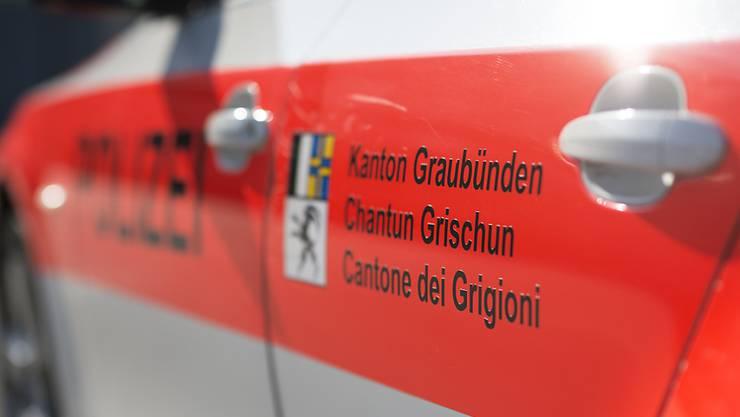 Der Fund des menschlichen Unterschenkels bleibt ein Rätsel. Die Ermittlungen der Kantonspolizei Graubünden gehen weiter.
