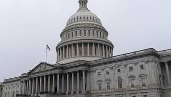 ARCHIV - Blick auf das Kapitol, dem Sitz des US-Kongresses. Foto: Jacquelyn Martin/AP/dpa/Archiv