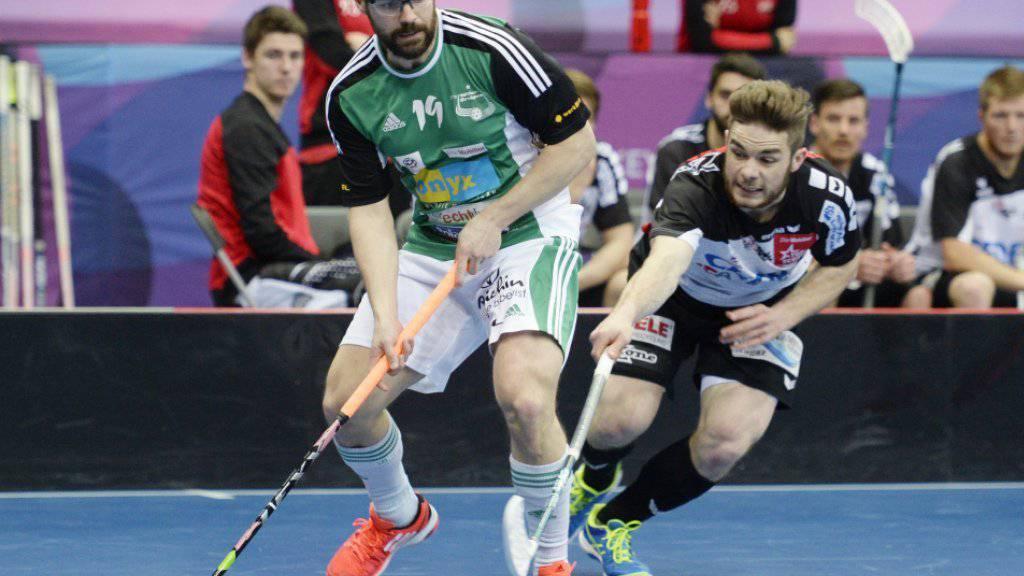 Kein zweiter Europacup-Sieg für die Schweizer Unihockey-Meister von Wiler-Ersigen. Die Berner - im Bild der Captain Matthias Hofbauer im Superfinal vom letzten Frühling - verloren den Final gegen Falun (Sd) knapp mit 2:3