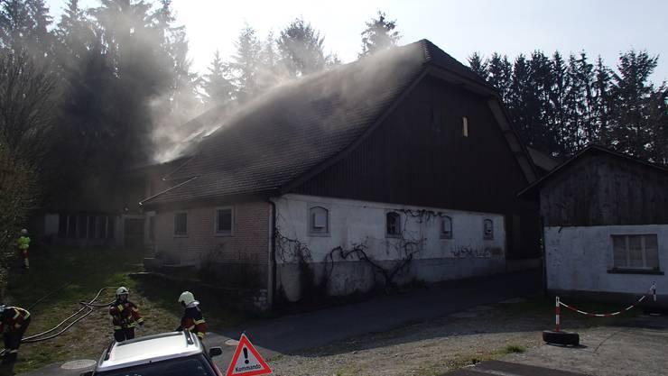 In einem Einfamilienhaus am Juchweg in Moosleerau ist am Dienstagvormittag ein Feuer ausgebrochen.
