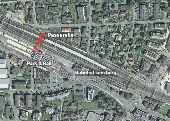Eine provisorische Brücke (oben rot eingezeichnet) vom Park+Rail-Parkplatz auf die Perrons würde die Bahnhofunterführung zu den Stosszeiten spürbar entlasten, ist Pendler Daniel Fischer überzeugt.